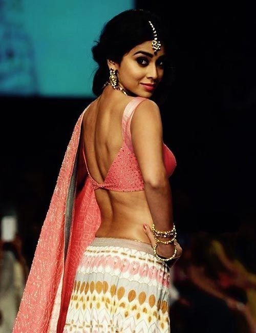 Backless Blouse Designs | Lakme fashion week, Most beautiful .