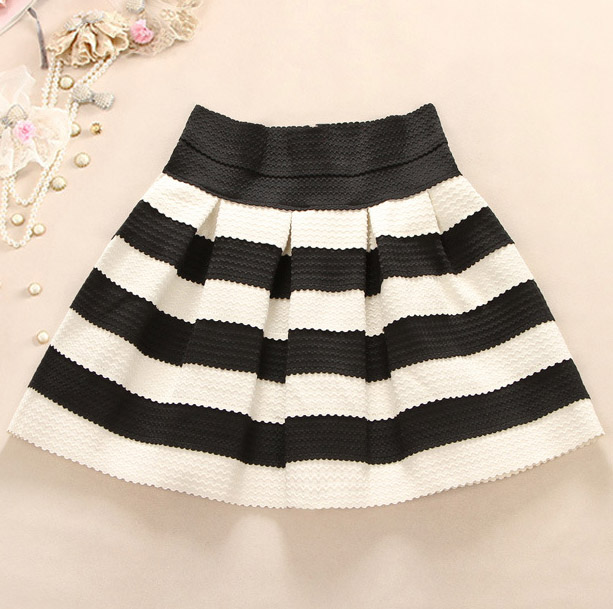 Cute Black And White Stripes Skirt on Luul