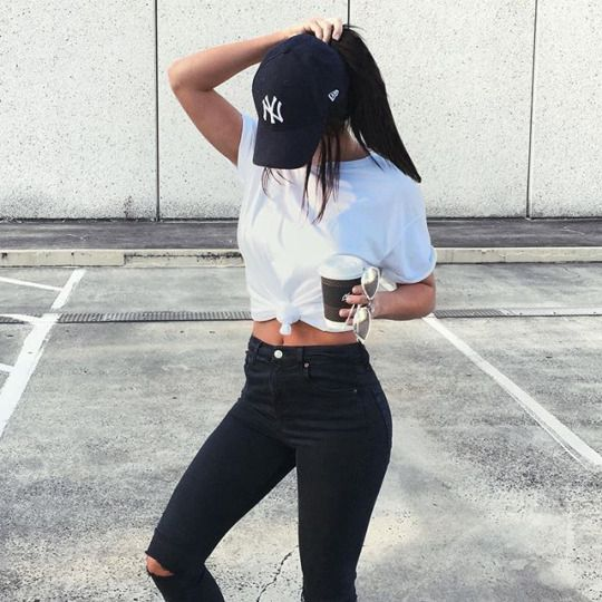 obsessed with this casual outfit! black ripped skinny jeans + .
