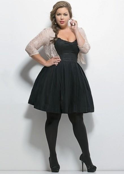 robe, robe grande taille, petite robe noire, cardigan, veste.
