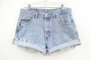33 waist Wrangler High Waisted Denim Shorts Jean Shorts Light   Et