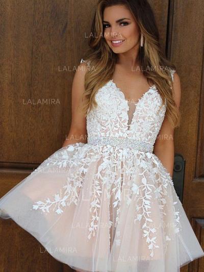 Glamorous Tulle Sleeveless V-neck Appliques Homecoming Dresses .