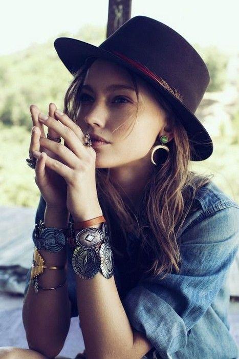 17 Looks with Hats Glamsugar.com Cute hat for woman #boho #fashion .