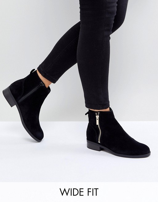 New Look Wide Fit Suede Flat Ankle Boot   AS
