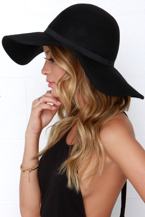 Carmen Sun Diego Black Hat in 2020 | Outfits with hats, Floppy hat .