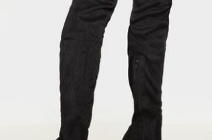 Emmi Black Thigh High Heeled Boots   Shoes   PrettyLittleThing U
