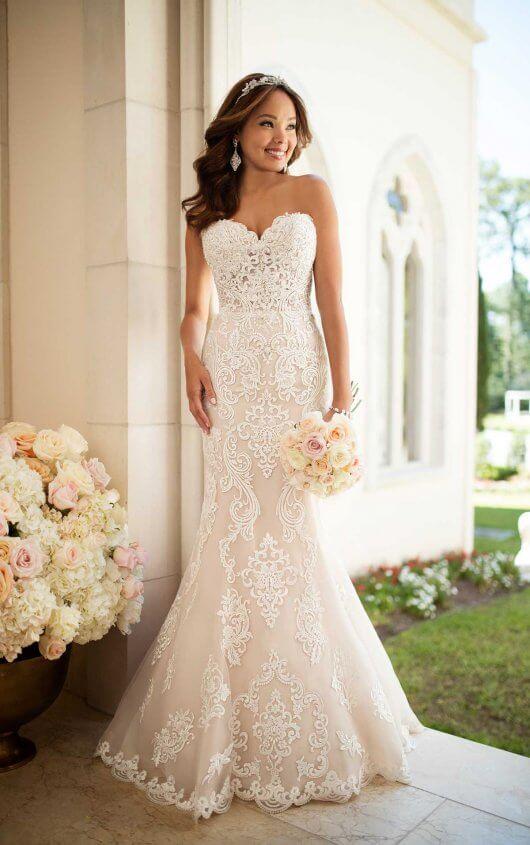 Elegant Lace Wedding Dress   Stella York Wedding Gow