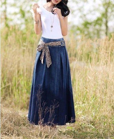 Maxi Full Denim Skirt. Not usually a fan of long denim skirts but .