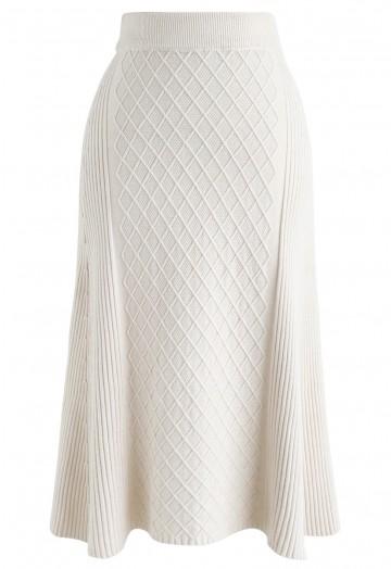 Diamond Shape A-Line Ribbed Knit Midi Skirt in Cream - Retro .