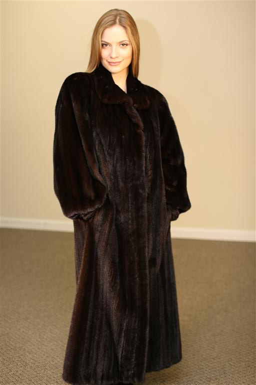 """Natural Mahogany female, fully let out Mink coat 50"""" long, wing coll"""