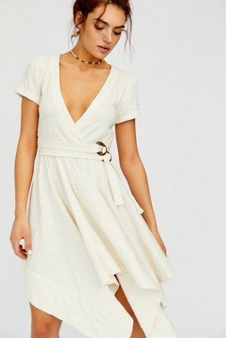 Freesia Mini Dress | Spring dresses with sleeves, Online dress .