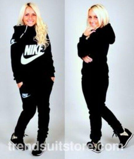 Nike jogging suit … | Sweat suits women, Nike sweat suits, Sweat .