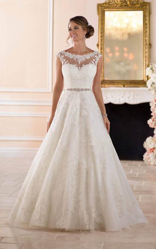 Wedding Dresses | Traditional Ball Gown Wedding Dress | Stella Yo