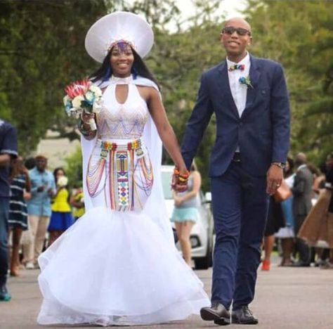 New Zulu bride African traditional dress 2020 (With images) | Zulu .