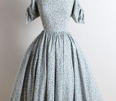 4084 Best Vintage Dresses images in 2020 | Vintage dresses .
