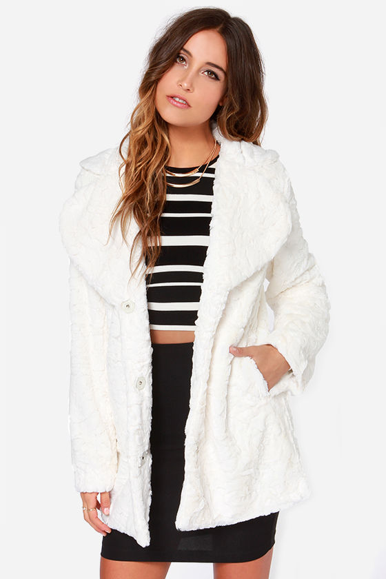 Mink Pink Cloud Nine Coat - Ivory Coat - Faux Fur Coat - Oversized .