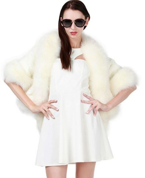 white coat, white faux fur, faux fur coat, cropped coat, scarf .