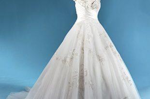 Pin by Jordan Elaine on Wedding Planning | Disney wedding dresses .