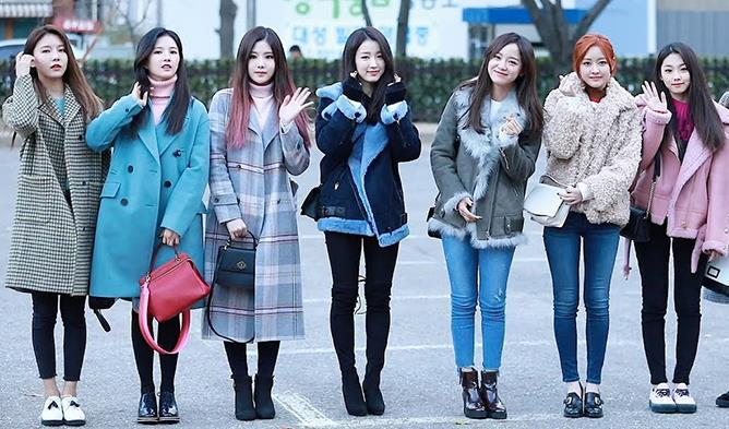 Female K-Pop Idol Daily Winter Fashion Compilation | Kpopm
