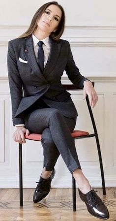 106 Best Women in suits images | Suits for women, Women, Fashi